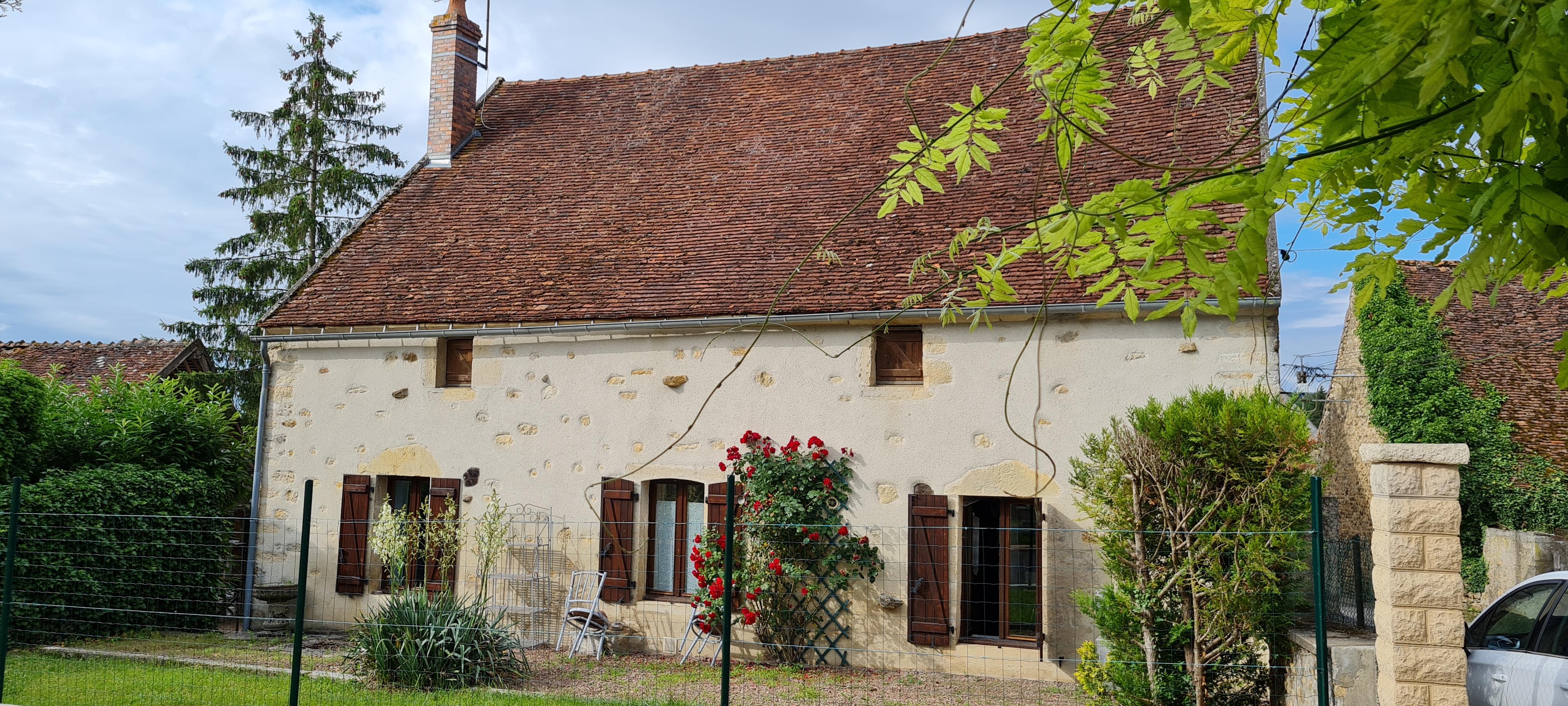 Ensemble immobilier : deux maisons d'habitation 83 m² et 94 m² proche CLAMECY
